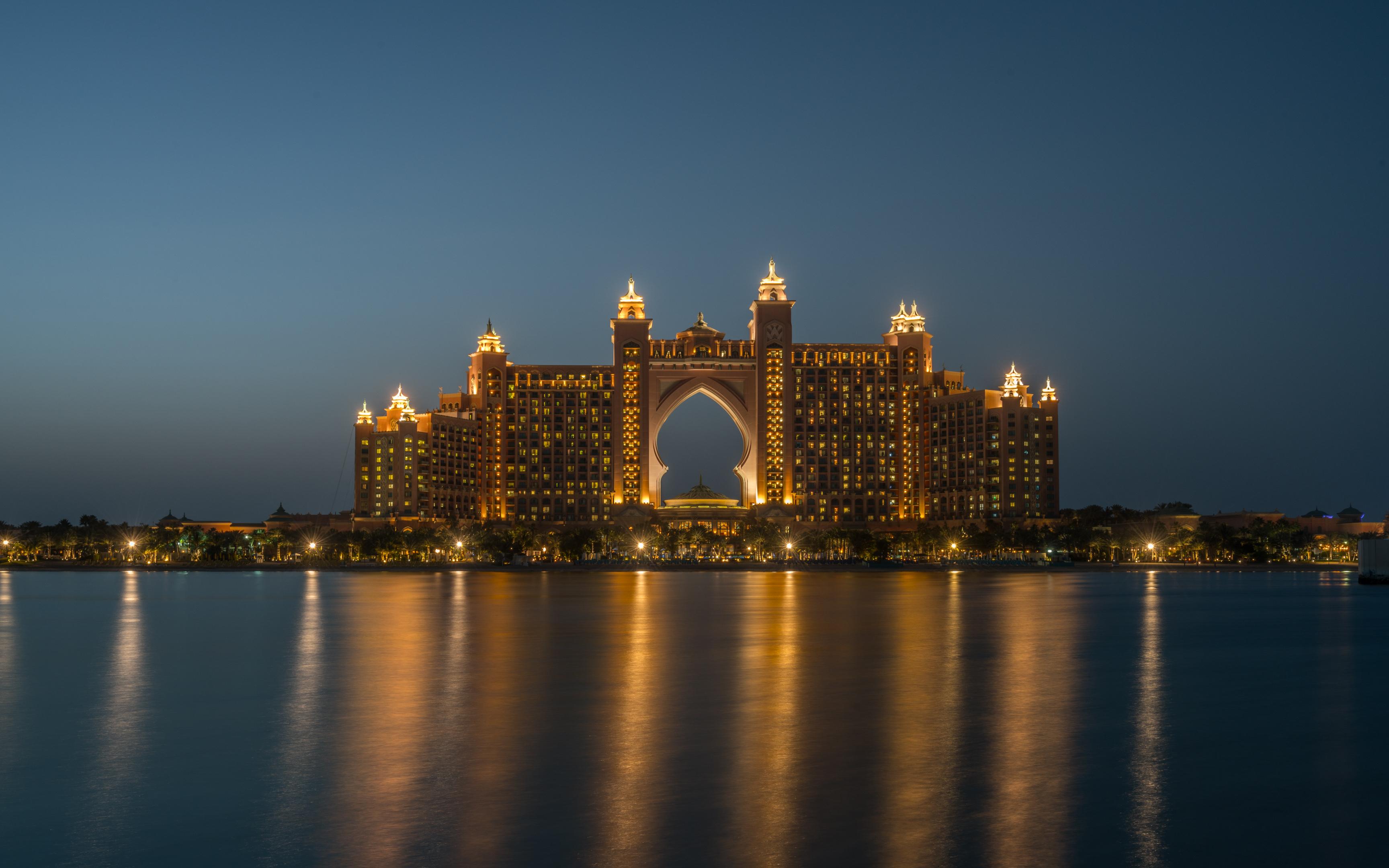 Dubai Atlantis and Jumeirah from The Palm