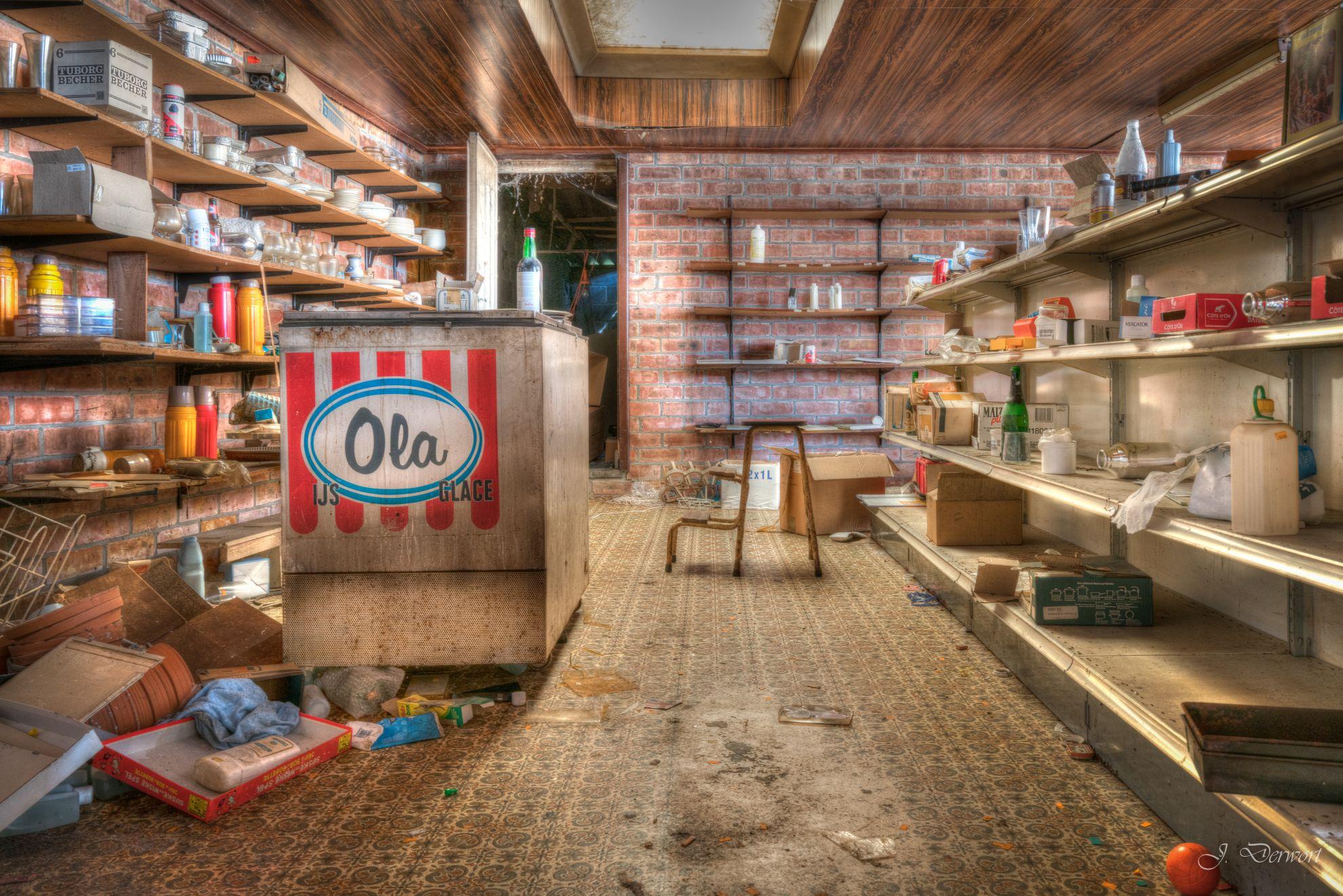 Urbex: 'Het Winkeltje' in Belgium